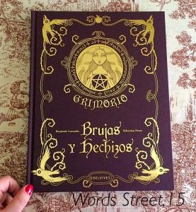 Con los libros de brujas sabrás la verdadera definición de las mismas.