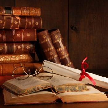 Estos son los mejores libros de derechos cualquier abogado debería tener en cuenta.