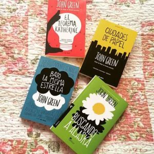 Hemos traído este listado con los libros de John Green para ti